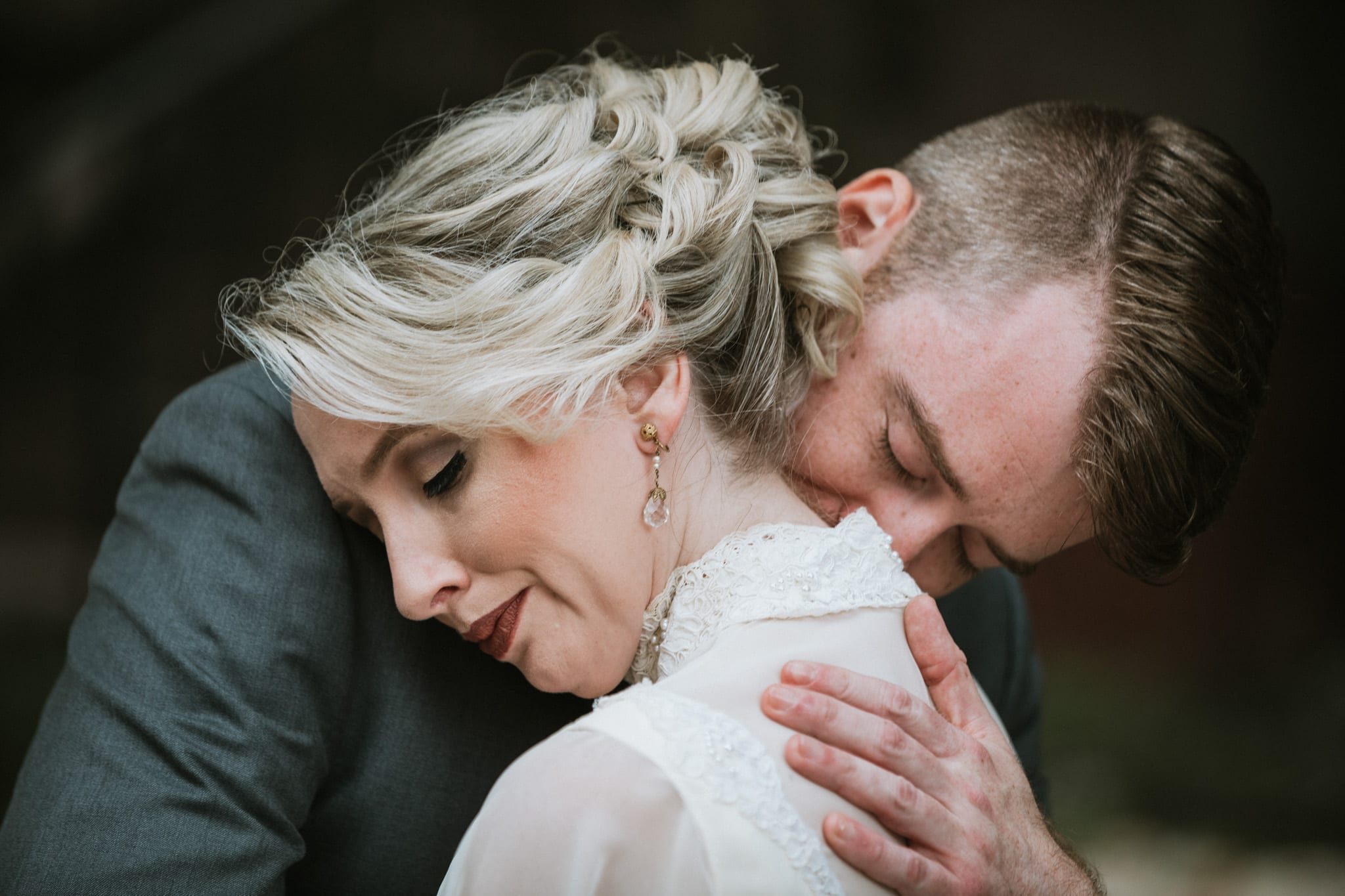 dc wedding, wedding photographer, bride, groom, washington dc wedding, Washingtonian wedding, tabard inn, wedding portraits, October, fall,